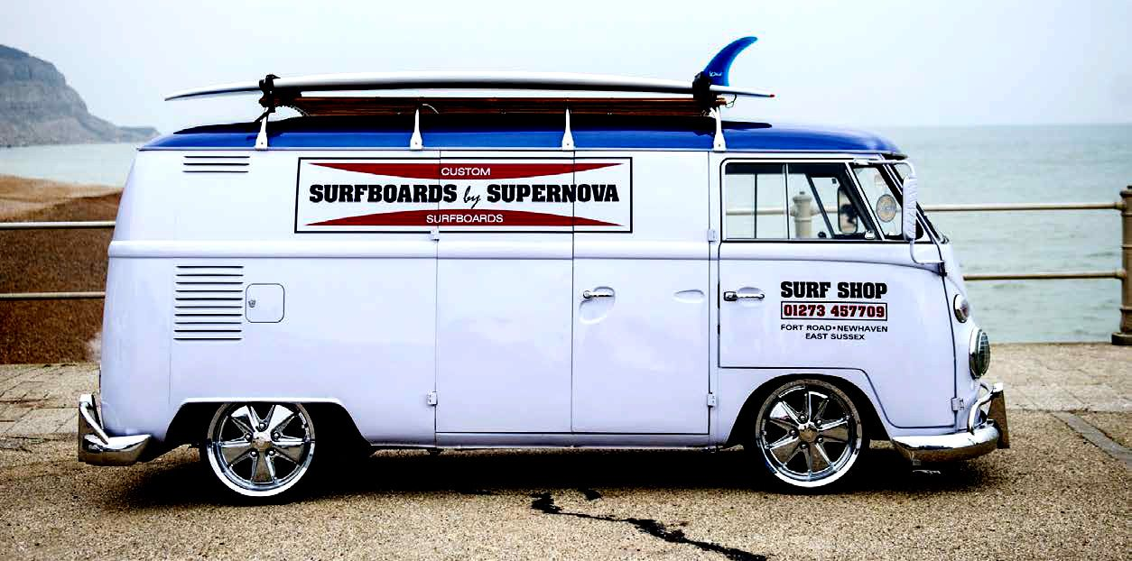 VW Camper Surfer - The wheels are 17-inch Fuchs replicas, fitted with Porsche centre caps