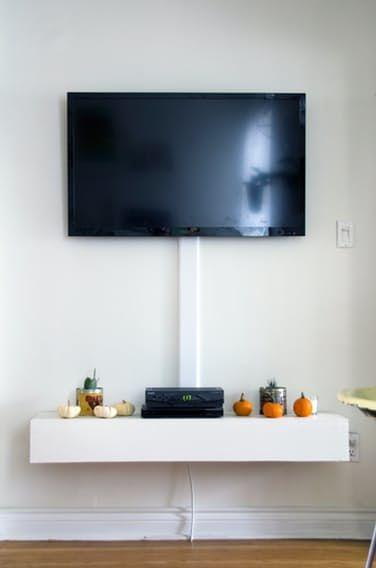 a colorful thrifty toronto home kabel verstecken kabel verstecken wand und wohn design