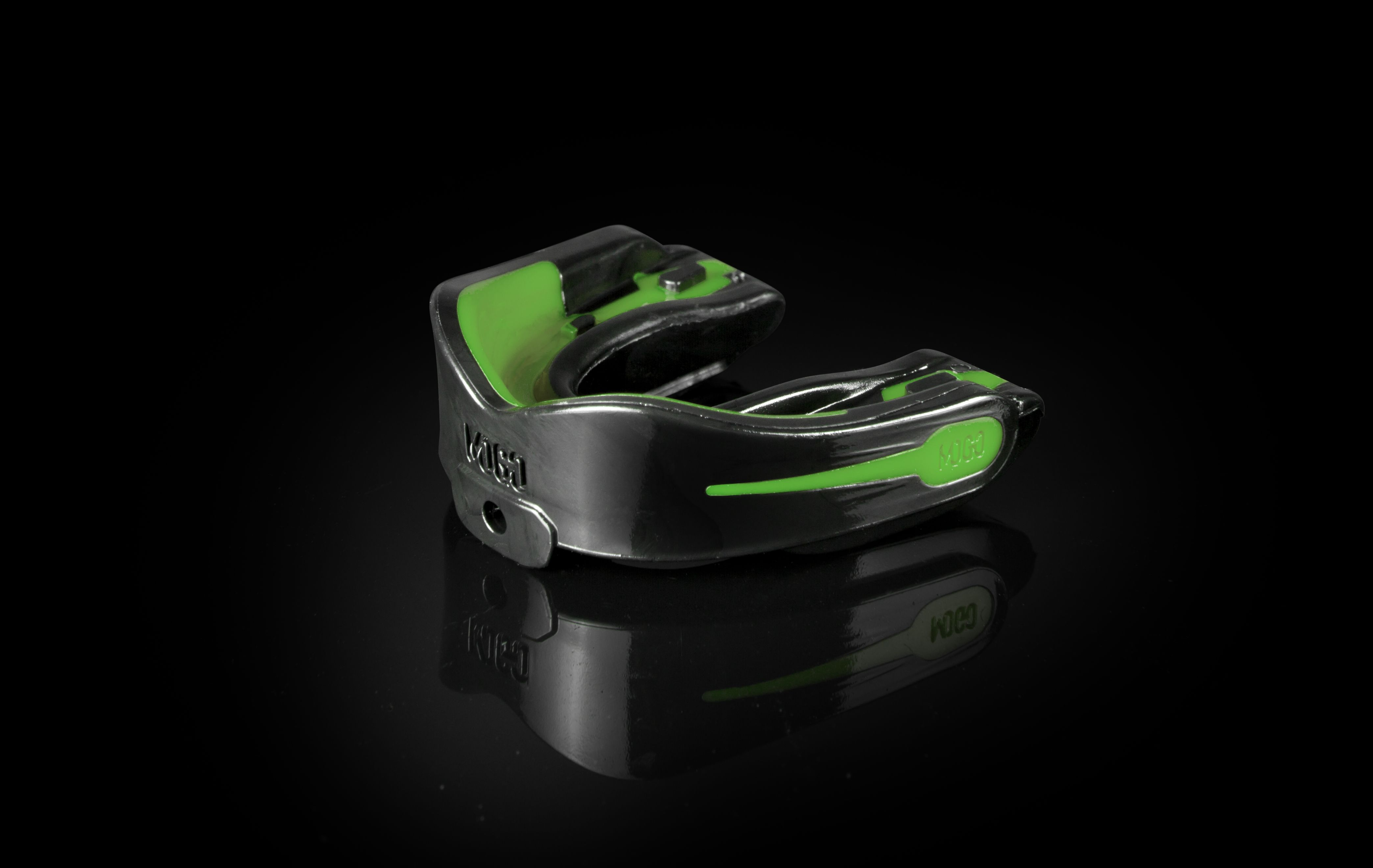 Mogo sport mint flavored mouthguard in black mouth guard