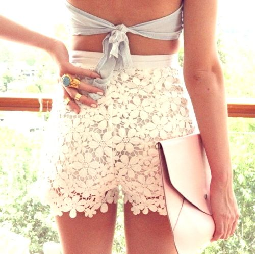 white lace shorts for the day!