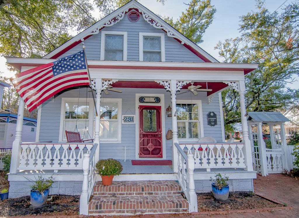 1900 Cottage, Southport, NC. Victorian homes, Beautiful