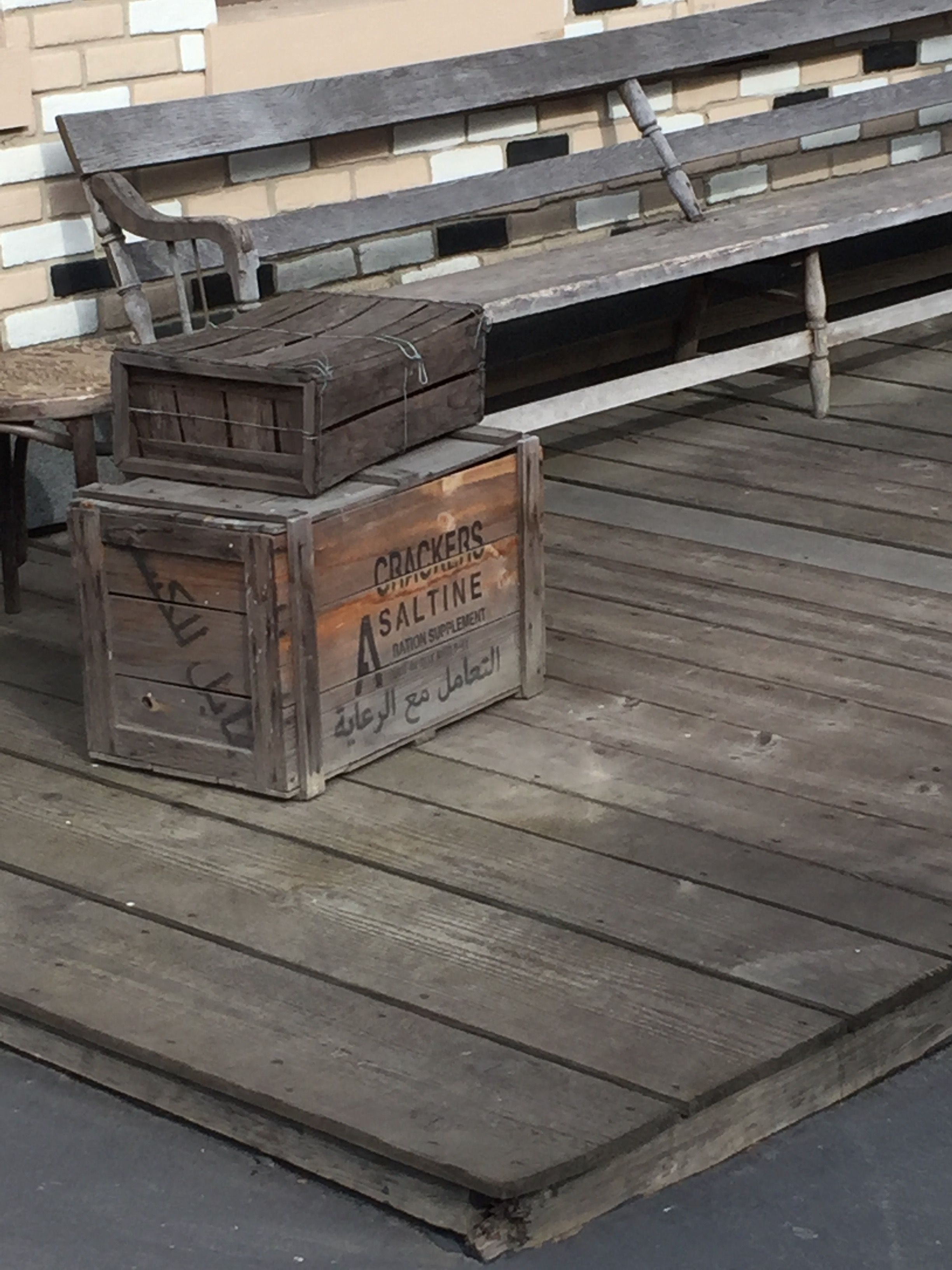 Universal Studios - Crate examples | Tiki room, Coffee table, Pallet coffee table