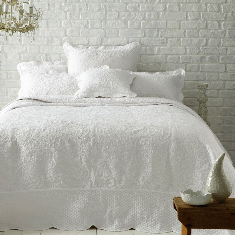 Clarice White Quilted Bedspread Online Shop Bed Spreads White Bedspreads Quilted Bedspreads