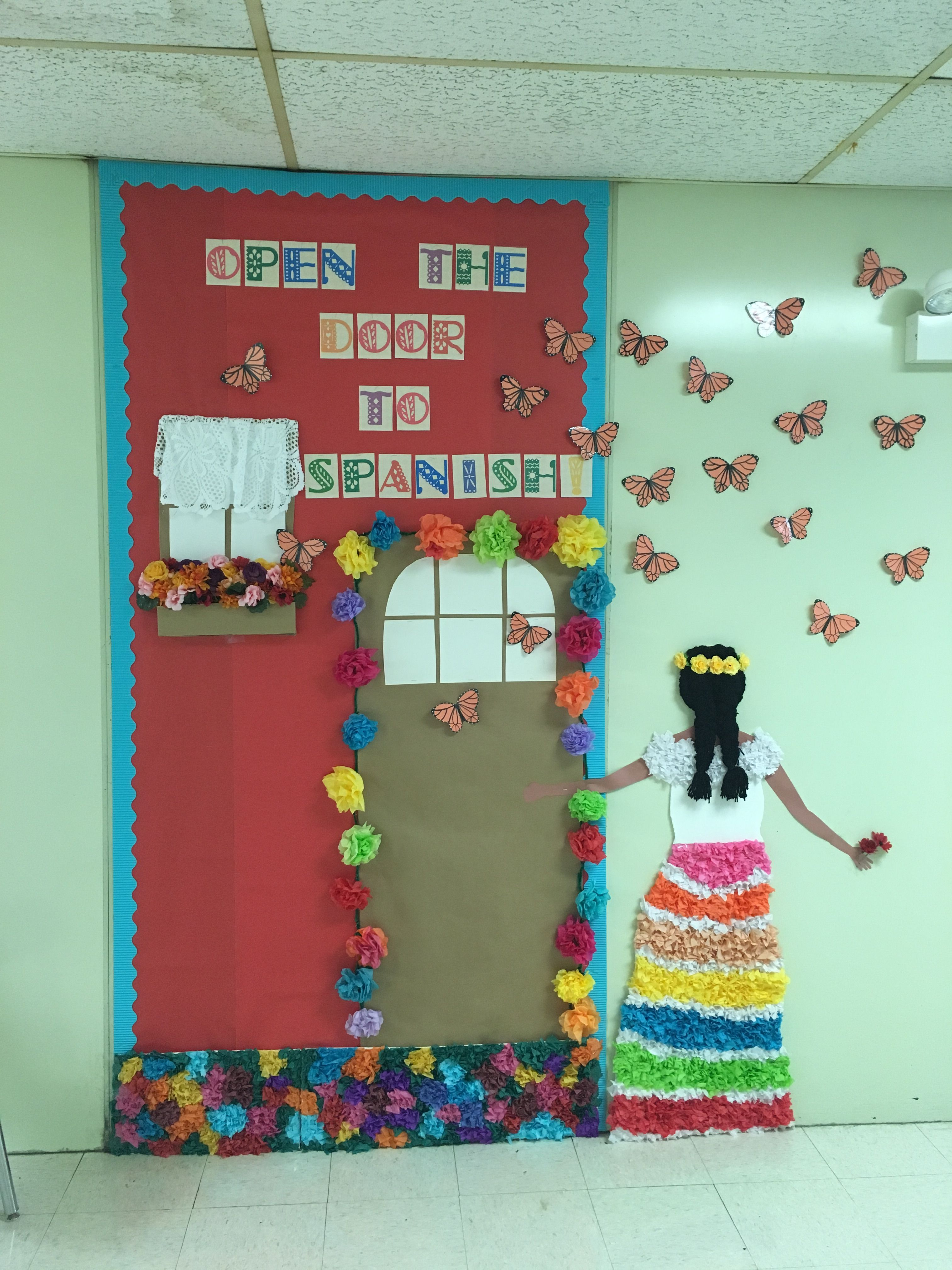 My Spanish Welcome Back bulletin board for back to school