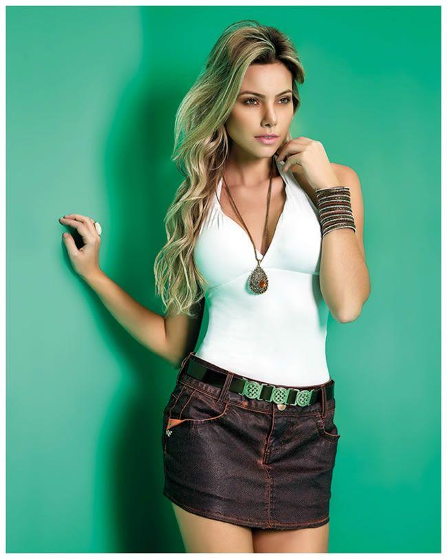 O jeans de lavagem escura é sofisticado e casual! http://www.farump.com.br/blog/?id=133&sobre=Jeans-de-Lavagem-Escura:-Sofisticação-Casual