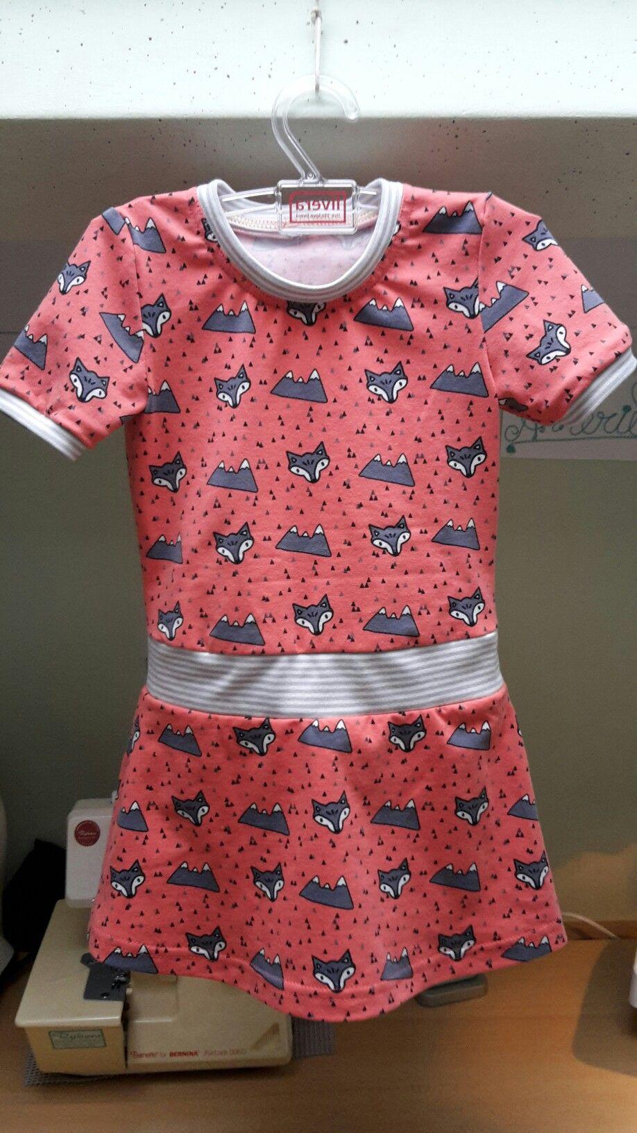 Helemaal tevreden met dit jurkje voor mijn 2 jarige kleindochter! Gemaakt van tricot in combinatie met boordstof.