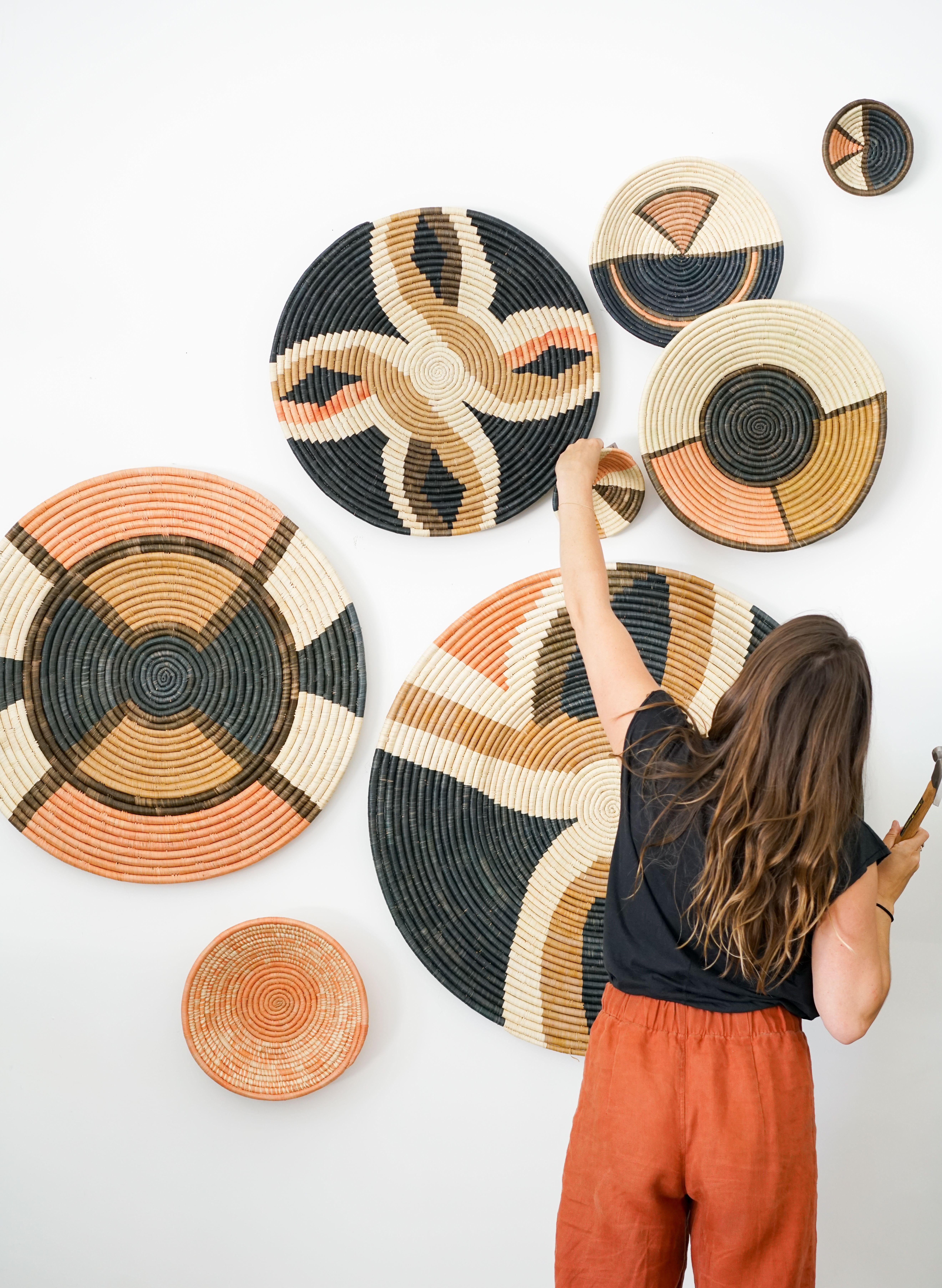 Handwoven Baskets - diy home - #Baskets #BeachHouse #diy #Diyfurniture #diyhome #Diyhomeimprotvemen #Diywoodprojects #FrenchCountry #Handwoven #HollywoodRegency #home #Industrial #Livingroomwalldecorideas #MidCentury #Modern #Rustichomedecor #Traditional