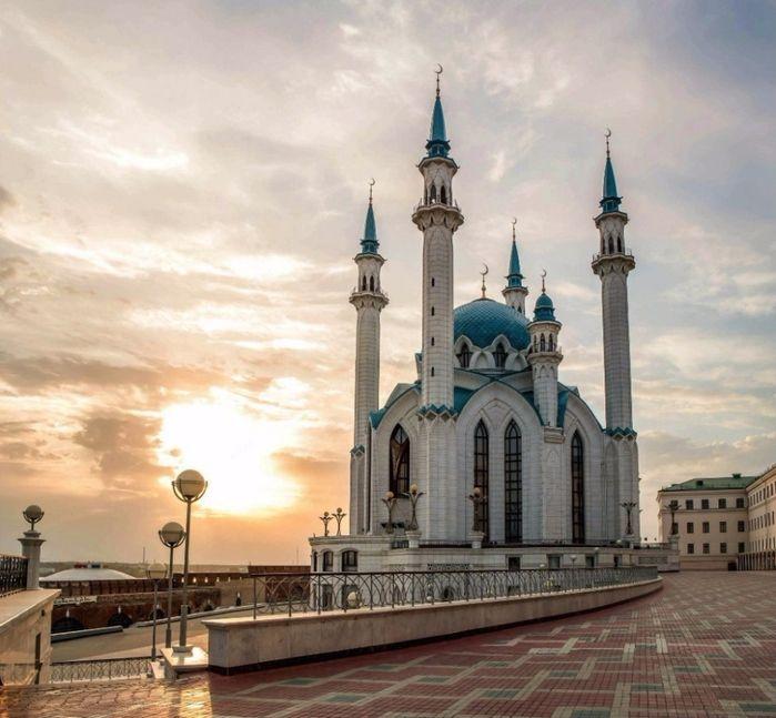 5. Мечеть Кул-Шариф, Казань, Россия (700x647, 417Kb)