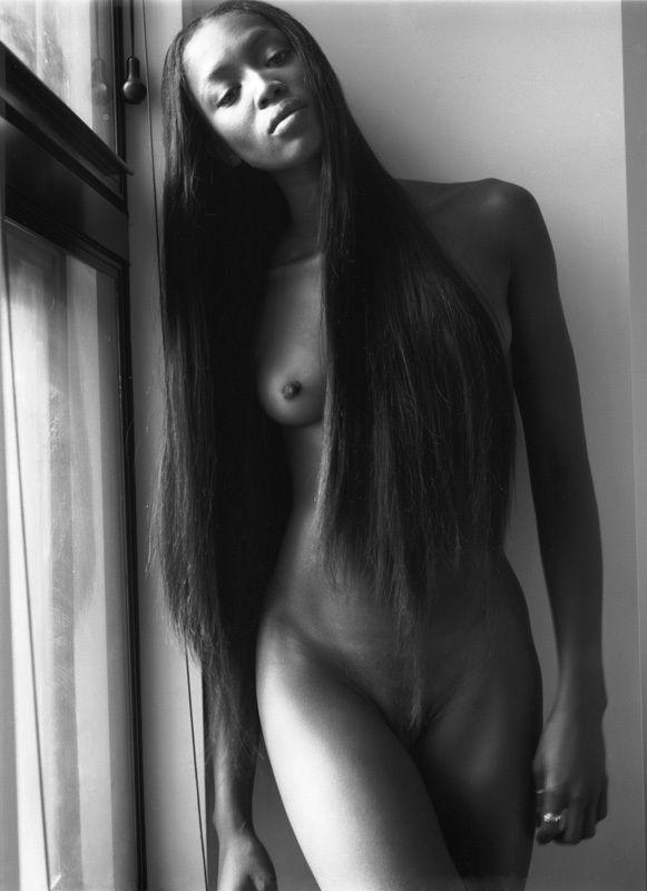 Fully nude wonderwoman lesbo