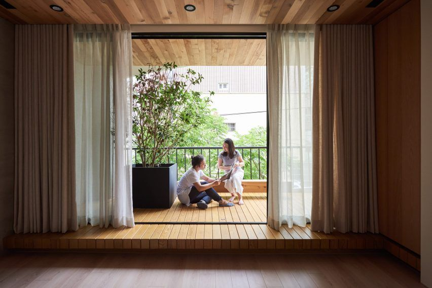 The Architects Attempted To Retain The Character Of The Original Building By Using Natural Materials Such As Stone Wood Metal An House 1960s House Glass Door