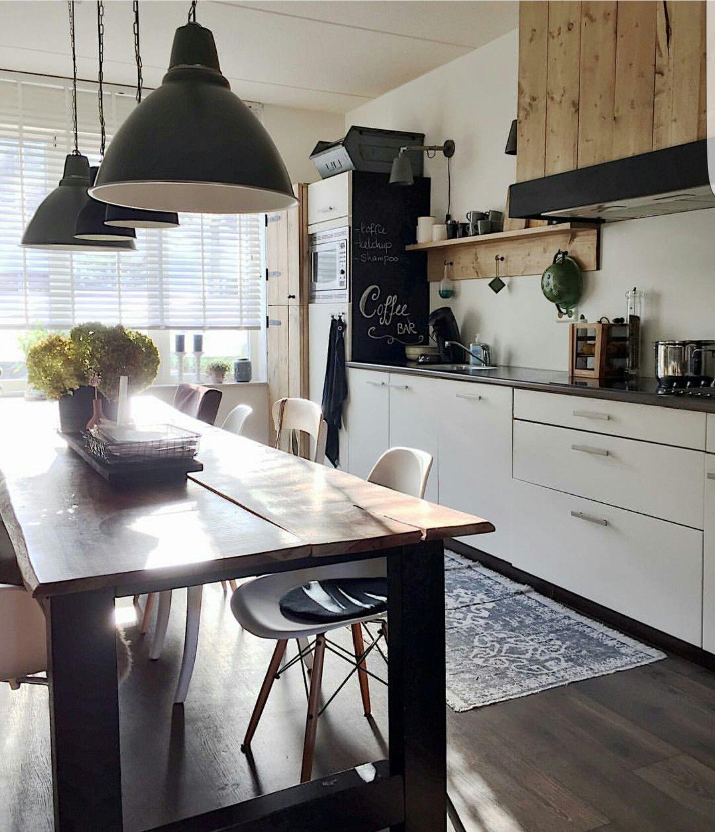 Kitchen Interior, Vans, Kitchens, Interiors, Instagram, Condos, Buns, Interieur, Kitchen