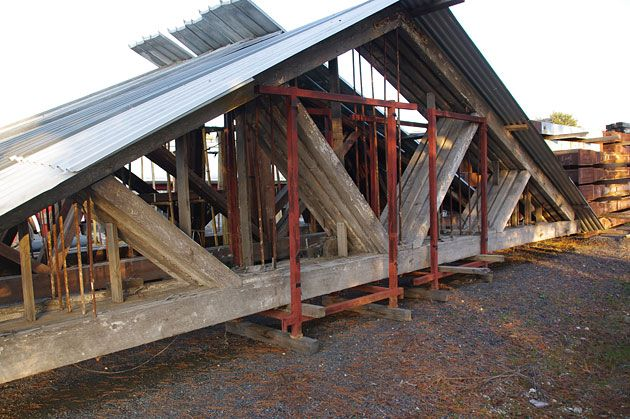 Second hand roof trusses the salvage yard castlemaine for Buy trusses