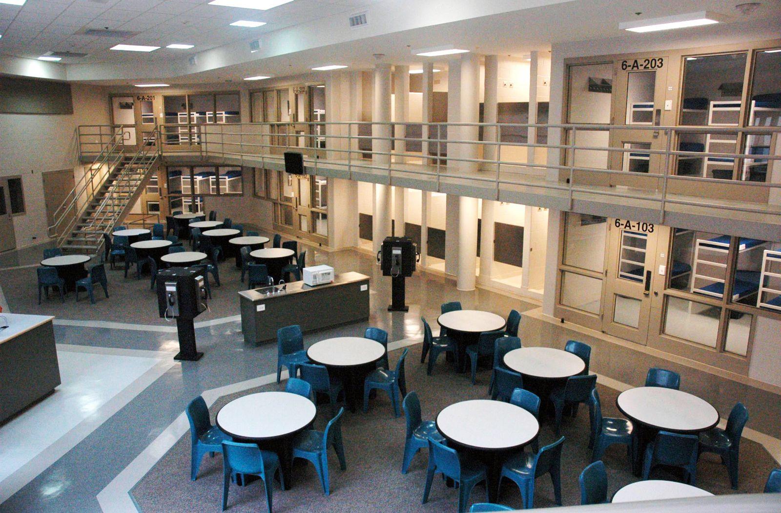 Lubbock County Detention Center - Lubbock, Texas via: rosser