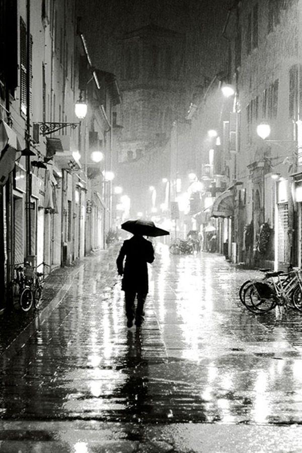 Together, Rain Room installation by Random International ... |Rain Photography Black And White