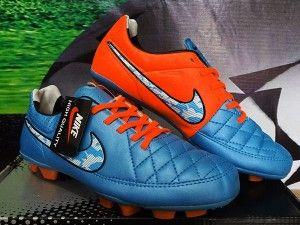 Detail Sepatu Futsal Merek Nike Tiempo Hypershield Biru Orange