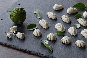 Indonesian Medan Food: Kue Bangkit Jeruk Purut (Tapioca Biscuit )