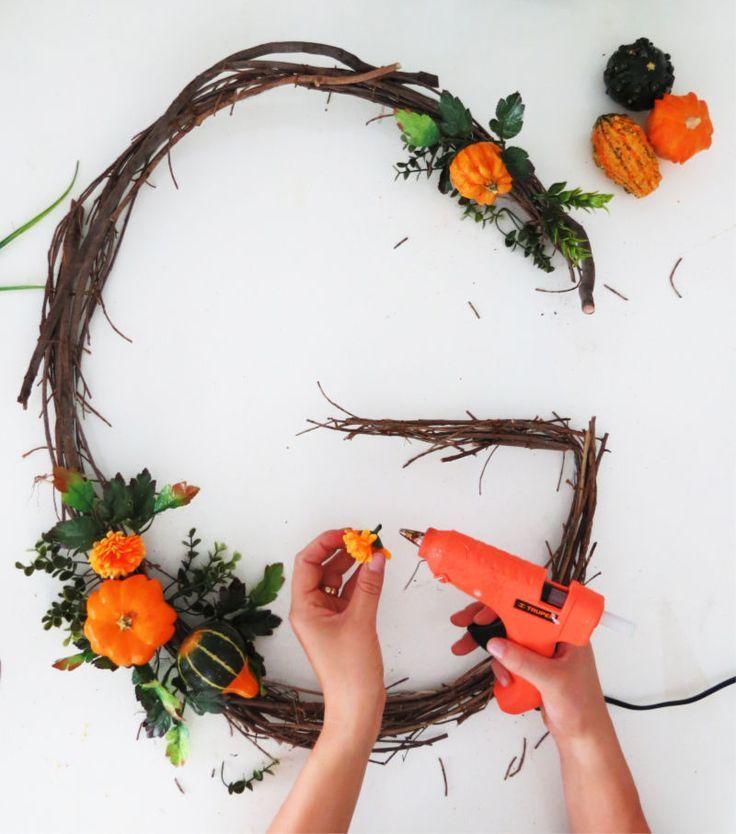 Diy Monogram Fall Wreath: DIY Fall Monogram Wreath Tutorial
