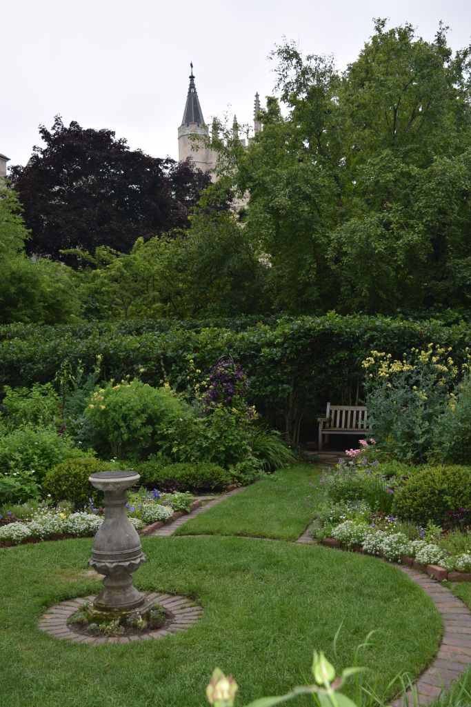 A Prairie Style Shakespeare Garden Beautiful Gardens Prairie
