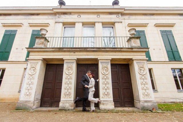 Zeit für die erste gebloggte Hochzeit in 2016. Diesmal eine herbstliche Hochzeit im Standesamt Zehlendorf mit Brautpaarshooting am Schloss Glienicke. #hochzeitsfotografie #berlin #zehlendorf #herbsthochzeit http://www.rotschwarzdesign.de/blog/herbsthochzeit-in-hochzeitsvilla-steglitz-zehlendorf/
