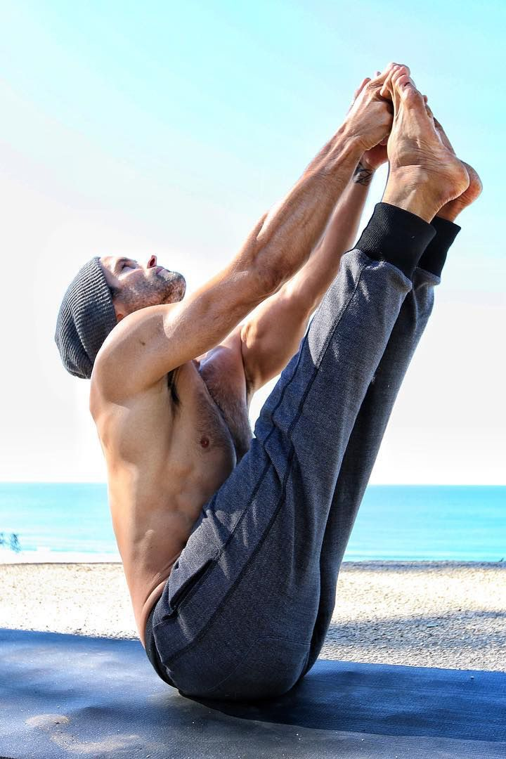 30 hot, shirtless yogis who prove real men do yoga.