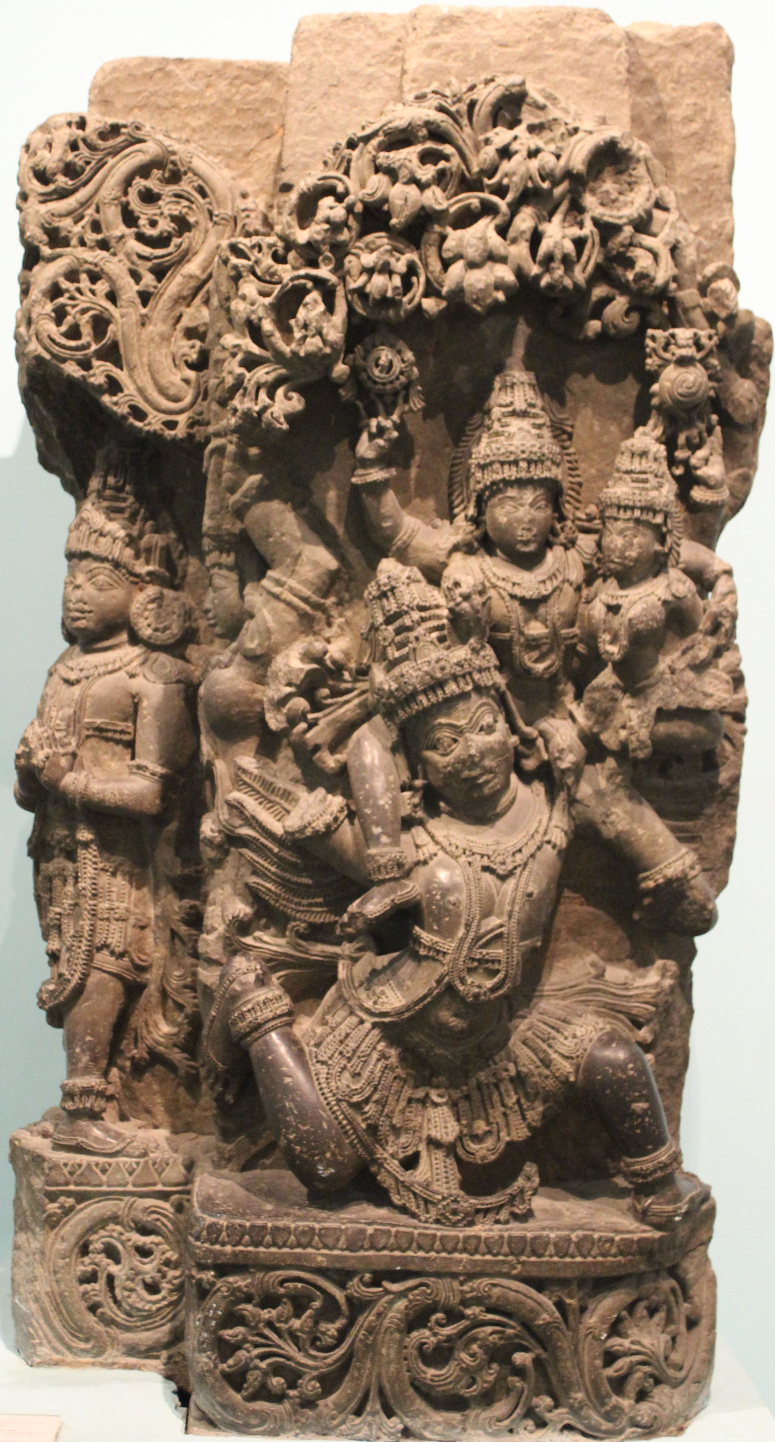 Intricately carved sculpture hoysala dynasty national museum