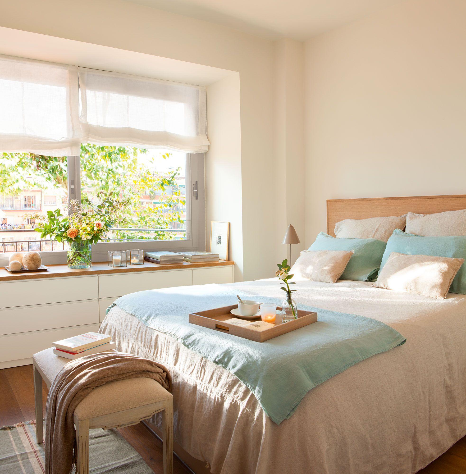 Dormitorio principal el mueble bajo la ventana es un for Mueble pequeno salon