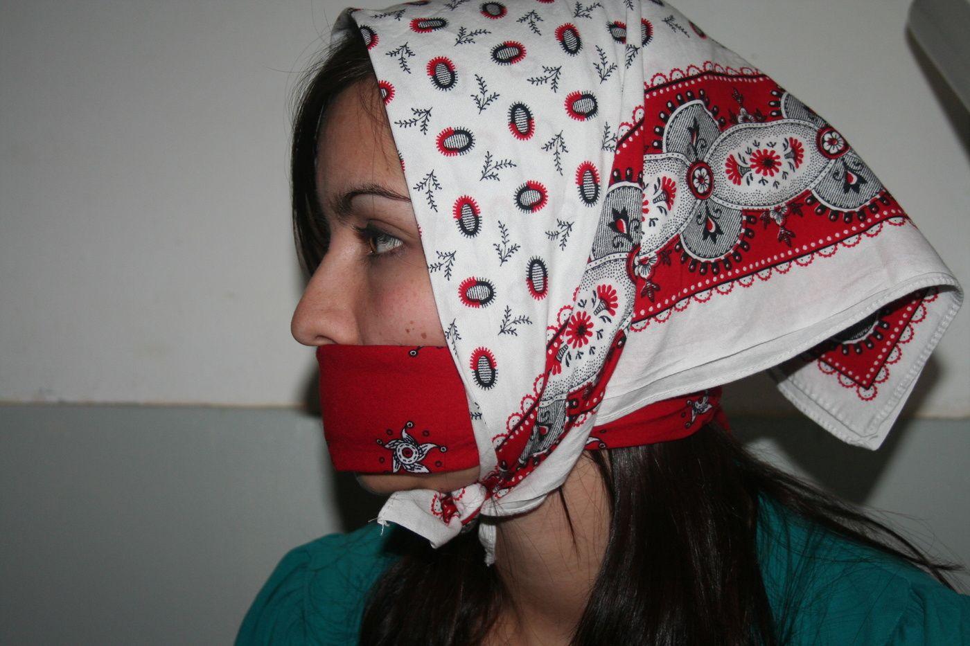 Box Of Photos Natas Bandana Gagged Headscarf Stuff Gagged  # Muebles Bandama