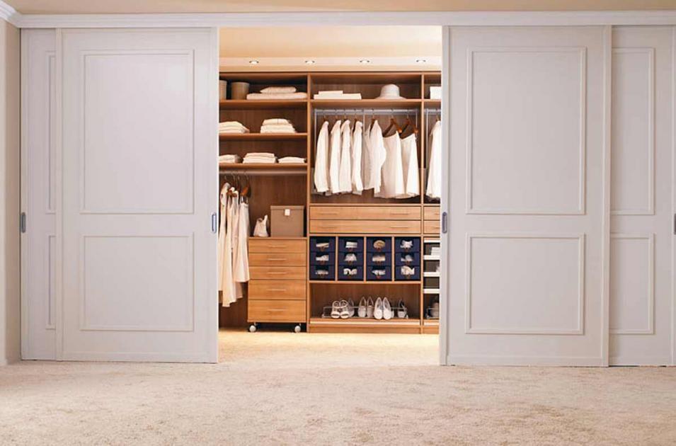 Begehbare Kleiderschränke - Anbieter und Systeme Charmante - kleiderschrank schiebeturen stauraumwunder