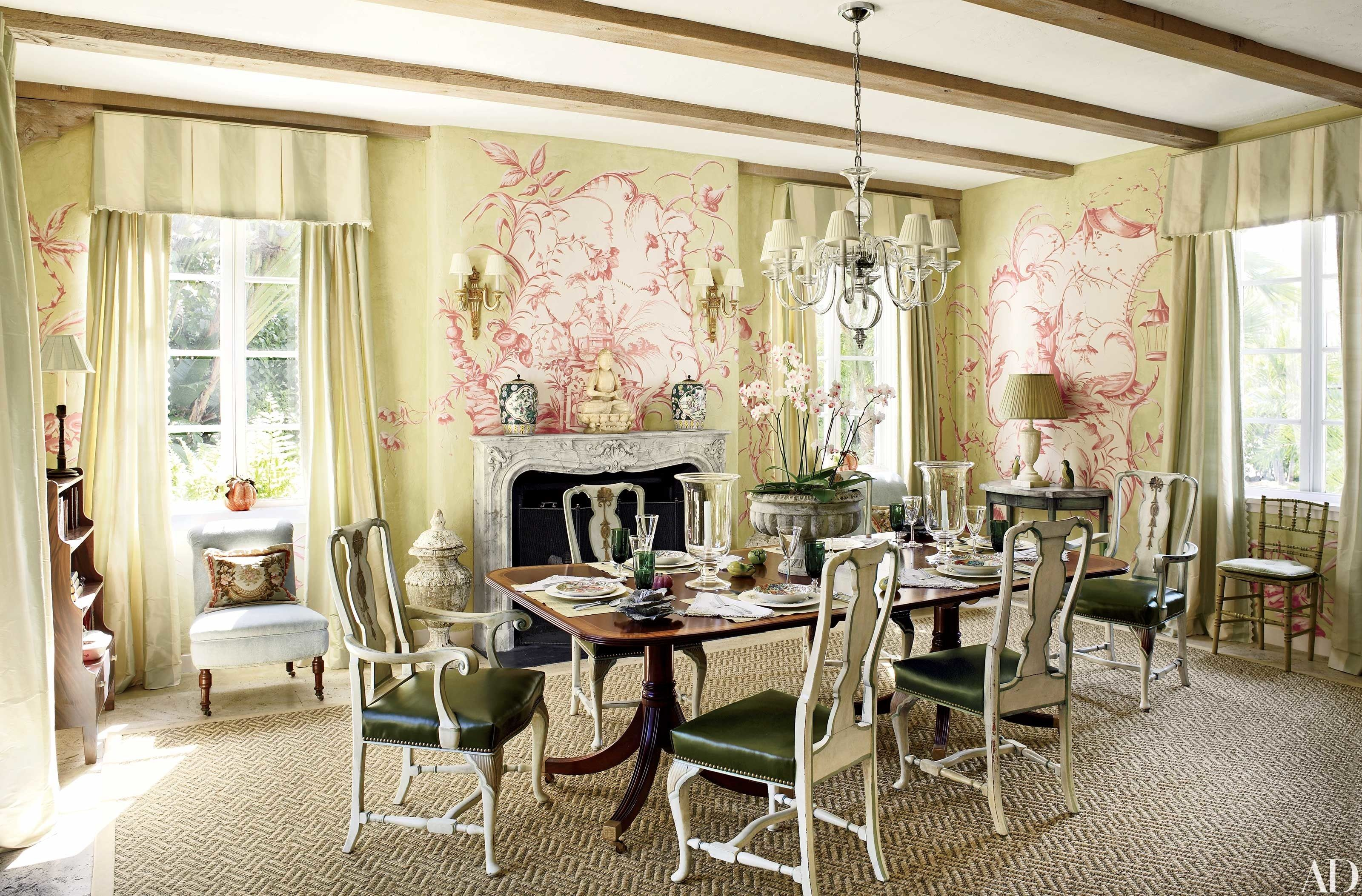 Chinoiserie Wallpaper And Panels Take The Stage In These 12
