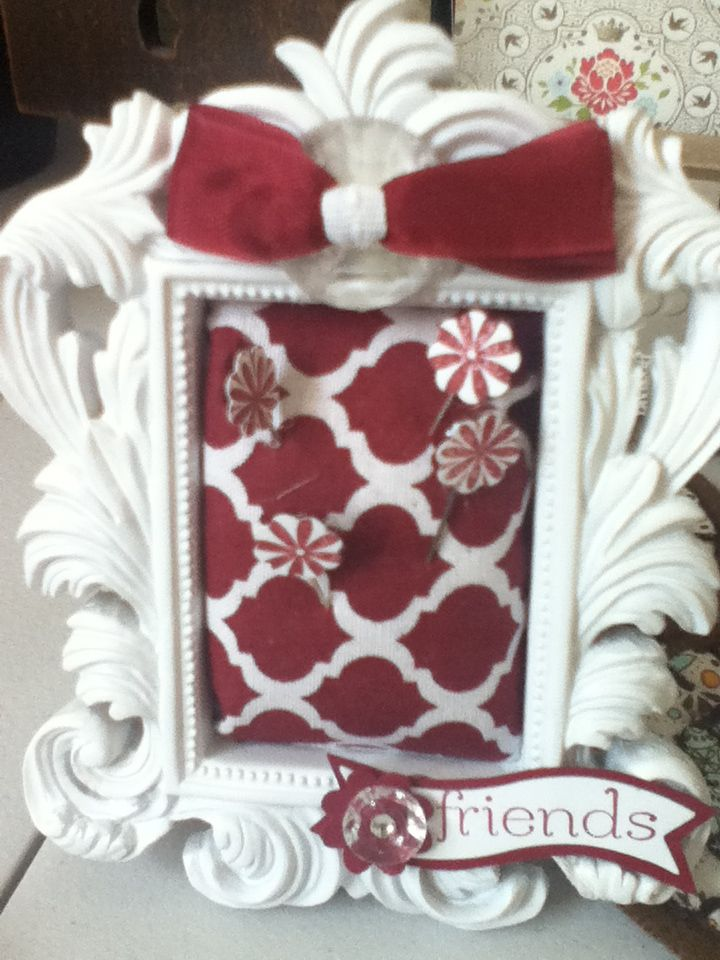 Pin cushion made with frame