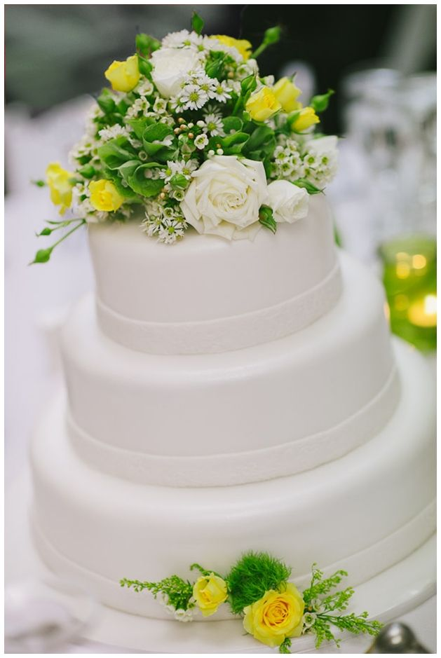 Wedding Cake Fresh Flowers Simple Three Tiered White Fondant Cake