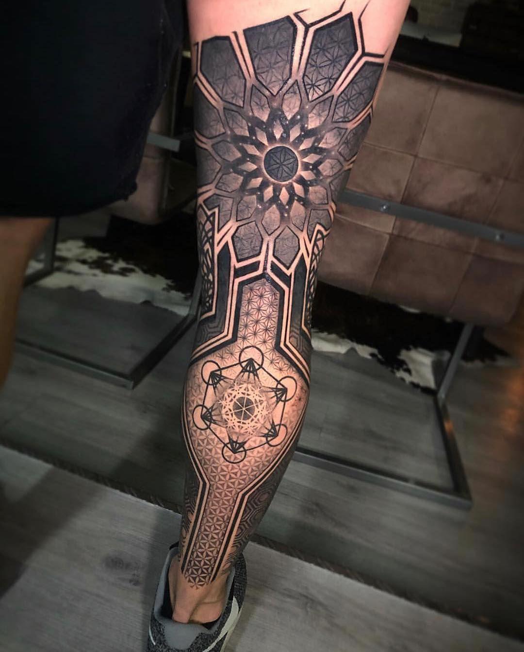 "Photo of GEOMETRIC TATTOO HUNTER on Instagram: ""➕ ➕ Tattoo Artist: @abian_lamotta ➕ ➕ ➕ #blackdotwork #dotworktattoo #geometrical #geometrictattoo #geometricart #mandala #sacredgeometry…"""