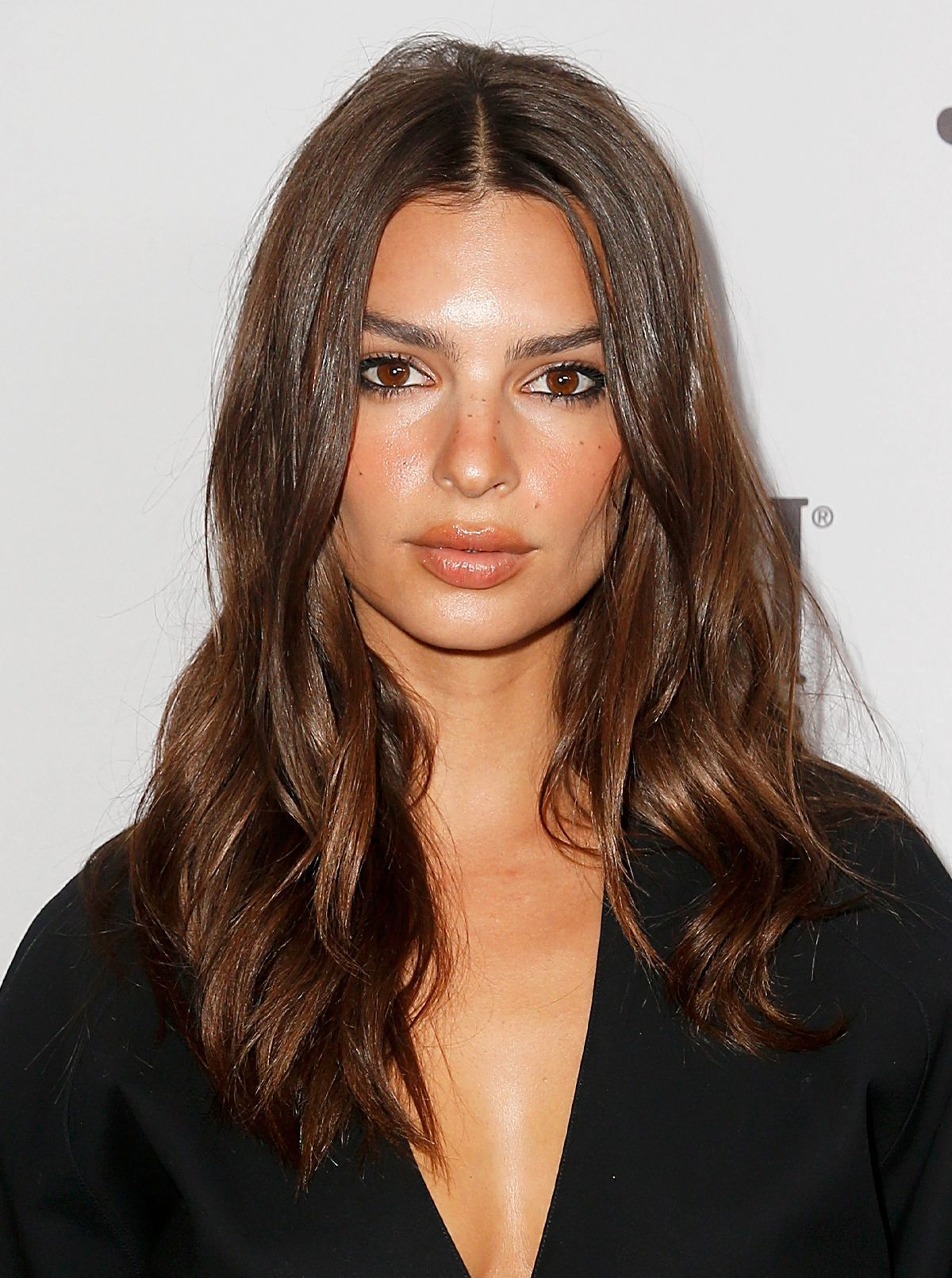 Here S What You Should And Shouldn T Do To Your Facedepending On Your Age Vampire Facial Emily Ratajkowski Brightening Face Cream