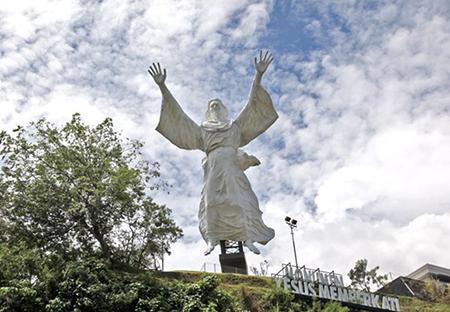 12 Patung Keagamaan Tebesar Di Indonesia Statue Manado Bali