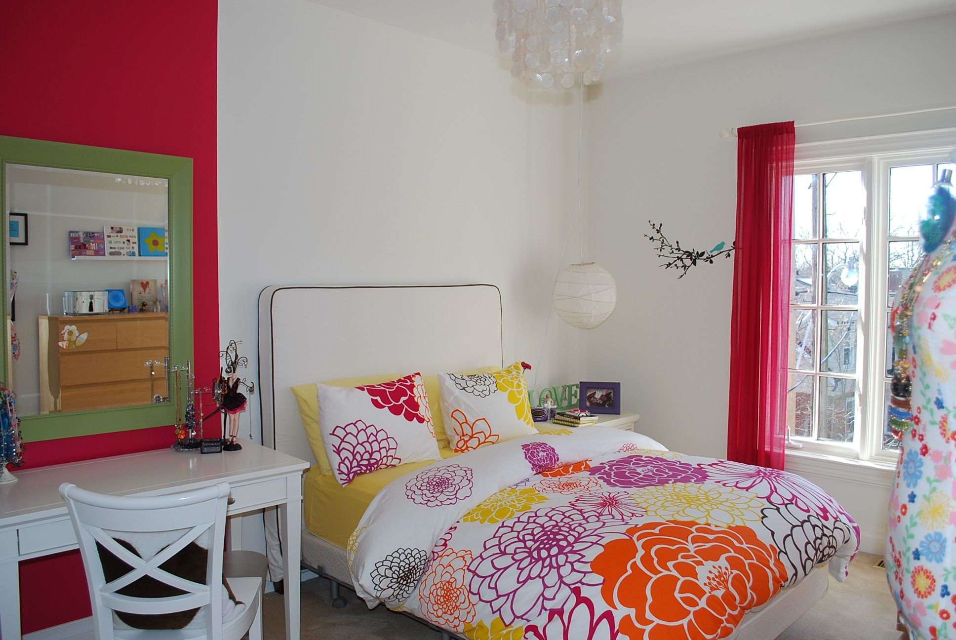 Girl room blanco con flores habitaciones juveniles originales habitaciones juveniles decora - Habitaciones juveniles originales ...