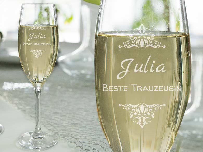 Personalisiertes Sektglas Gravieren Lassen Champagnerglaser Z B Mr Mrs Mit Motiv Namen Personlich Ge Sektglaser Mit Gravur Sektglaser Gravieren Gravur
