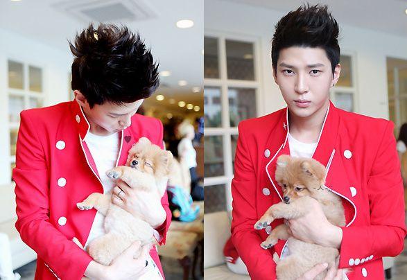 VIXX Leo with cute dog.