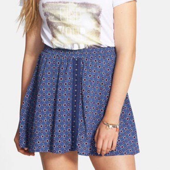 H.I.P. Hook and Eye Skirt Never been worn. From Nordstrom. Waist: 25-26. Hip: 35-36 H.i.p Skirts Mini