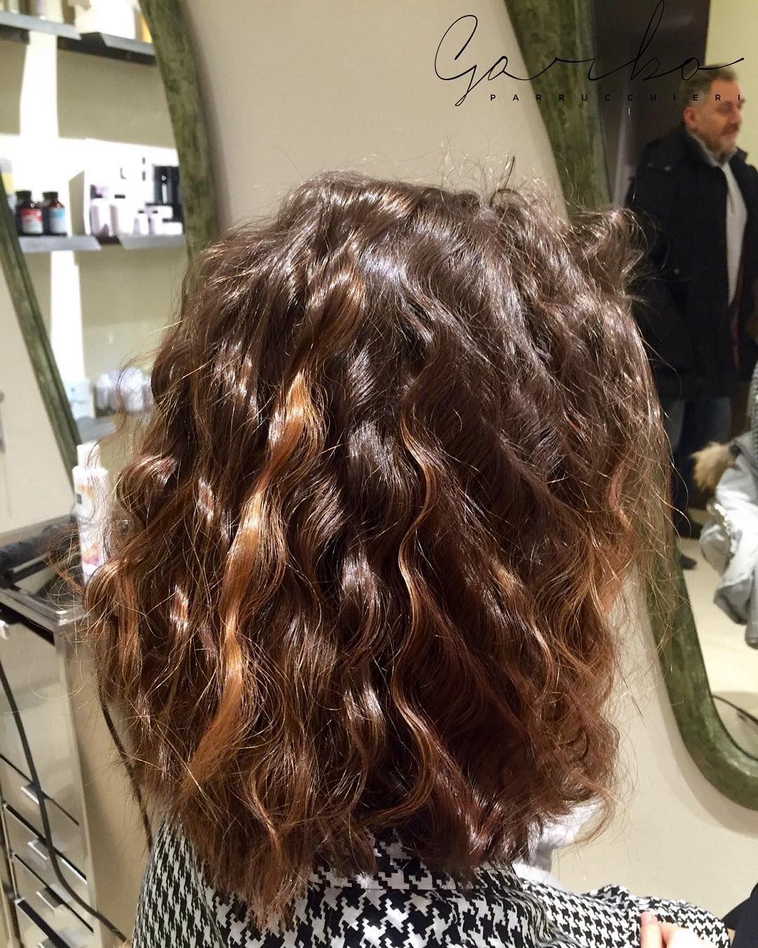 Erica e le Onde  --- #onde #garboparrucchieri #taglio #lungo #capelli #tagliolungo #capellilunghi #nuovotaglio #nuovo #moda #tendenza #forbici #instahair #gropellocairoli #garlasco #vigevano #pavia #milano