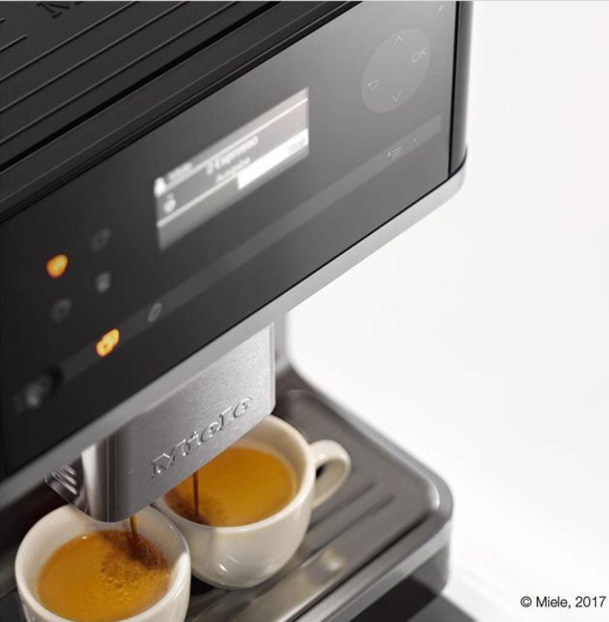 Il venerdì è più facile se affrontato con un buon caffè. Buongiorno ☀️  #miele #elettrodomestici #showroom #rossimobili #botticino