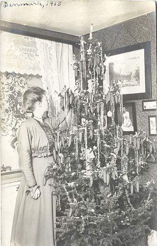 christmas in denmark, 1915 Vintage \
