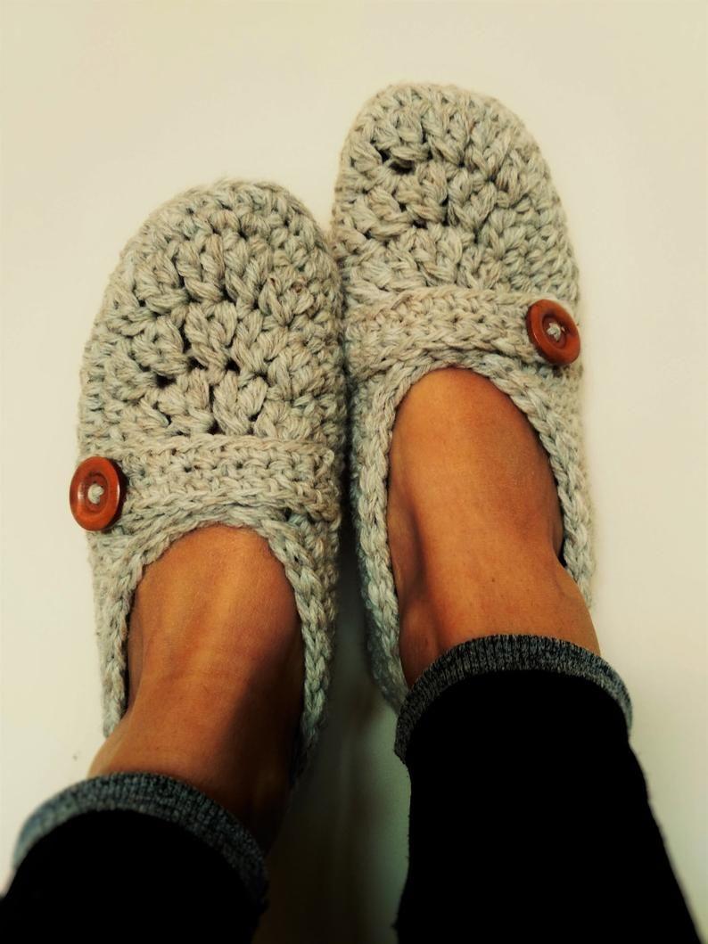 Photo of Cofano donne pantofole con suole non slip / pantofole da donna / stivali / donne cricchetto pantofole fatte a mano / casa scarpe / crochet pantofole di lana