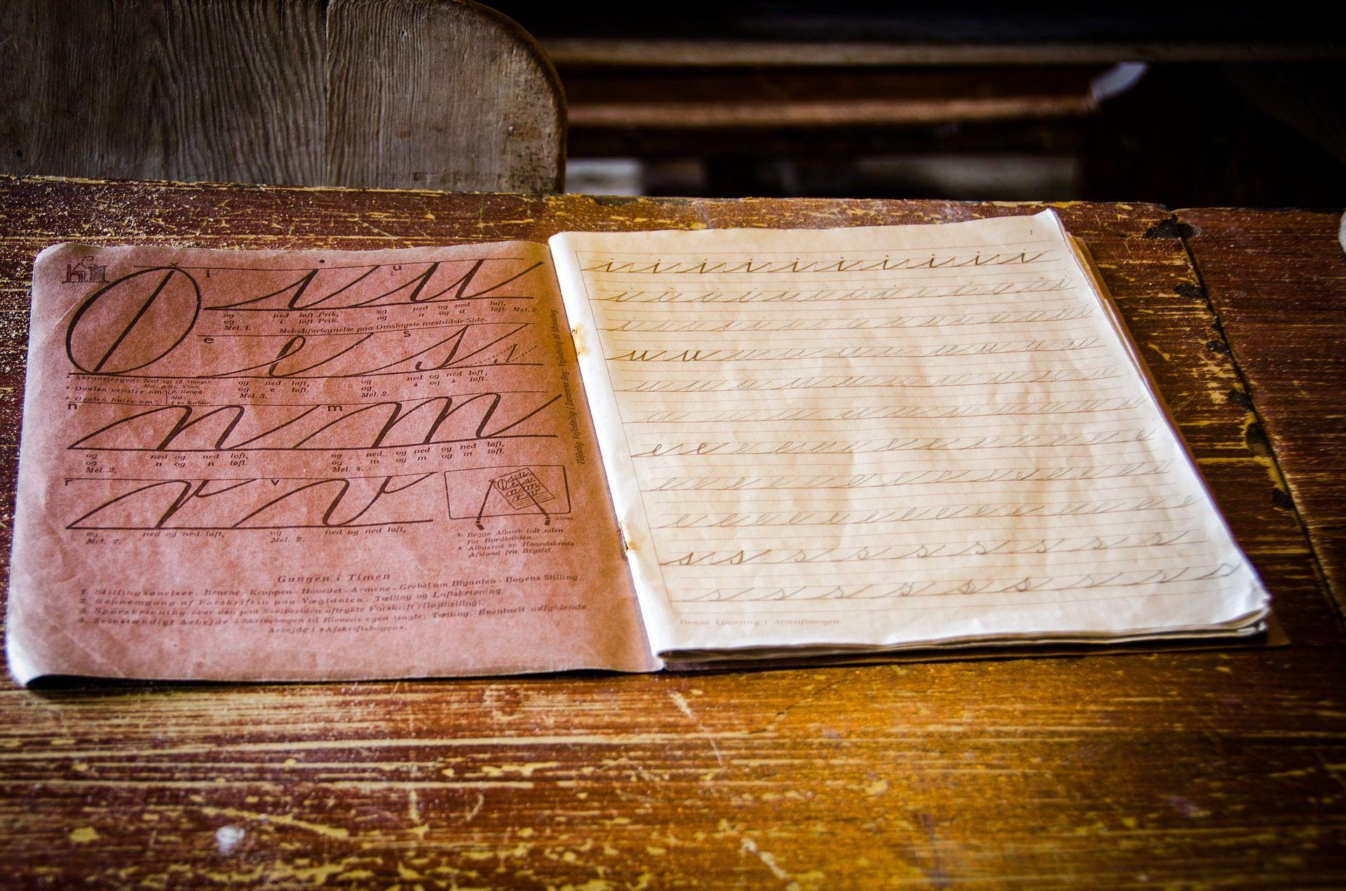 cuaderno, caligrafía, deberes, tarea, pupitre, madera, 1703301458