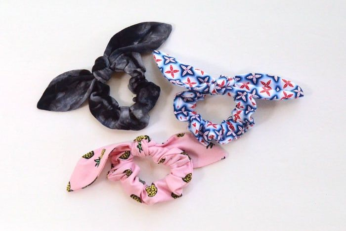 Easy Knot Bow Scrunchie Tutorial  de5ff50d0bf