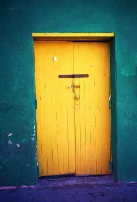 I think i'm destined to have a yellow front door - i love this!