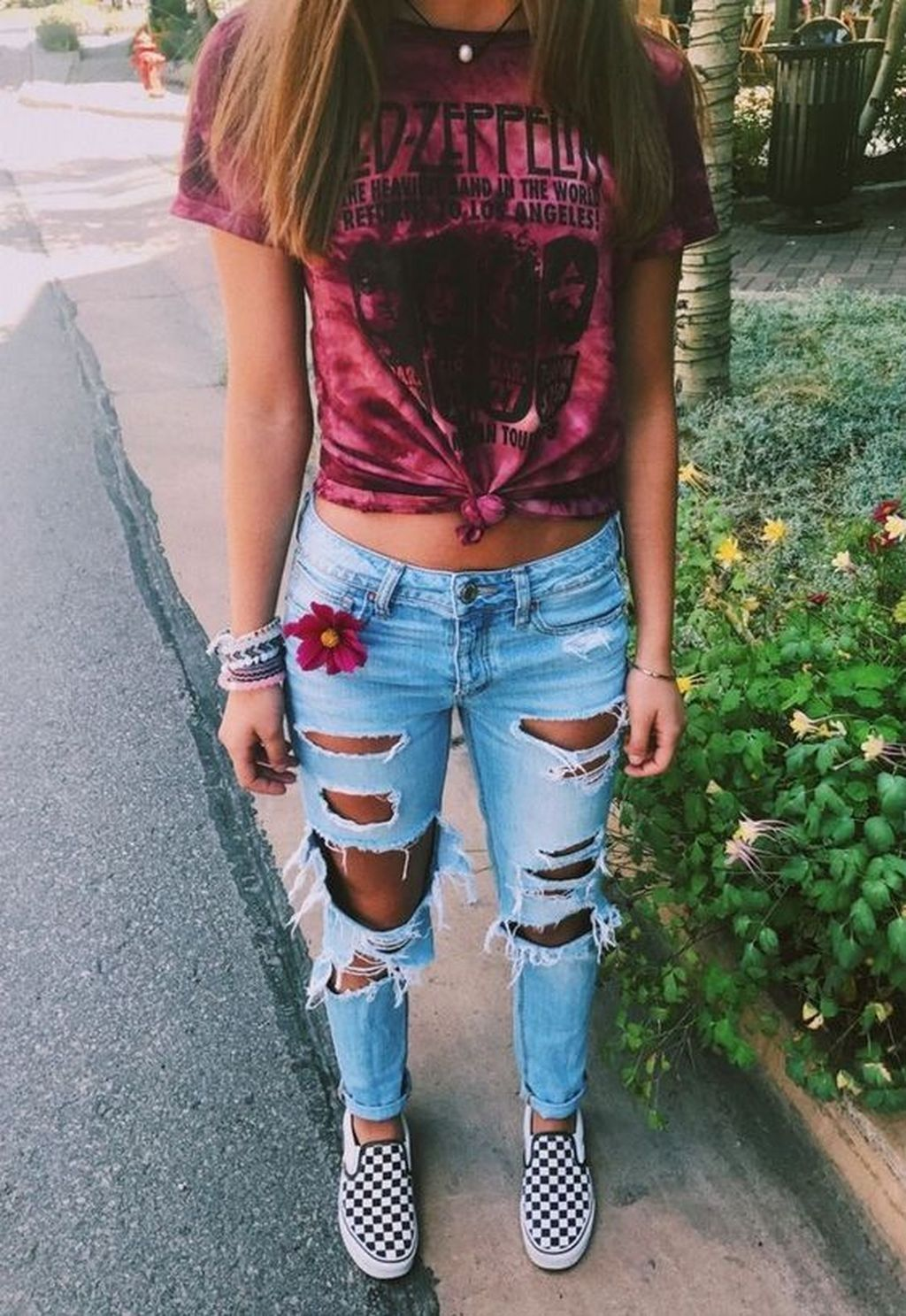 Ripped Jeans Outfit Ideas For School : ripped, jeans, outfit, ideas, school, Jeans