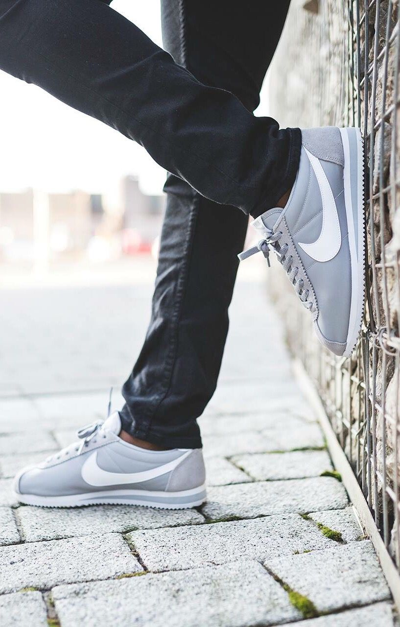 Nike Cortez Black And White On Feet smithland.co.uk