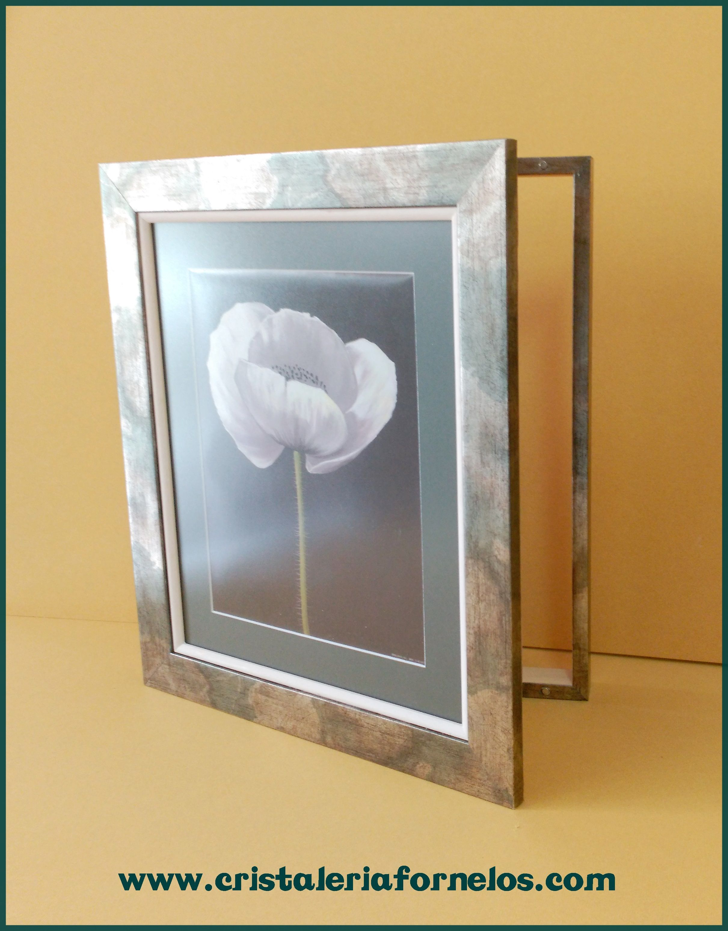 Tapa el cuadro de luces de tu casa con un bonito dise o - Tapa cuadro electrico ikea ...