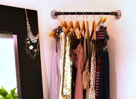 15 Sneaky Tricks To Double Your Storage Space Diy Clothes Rack