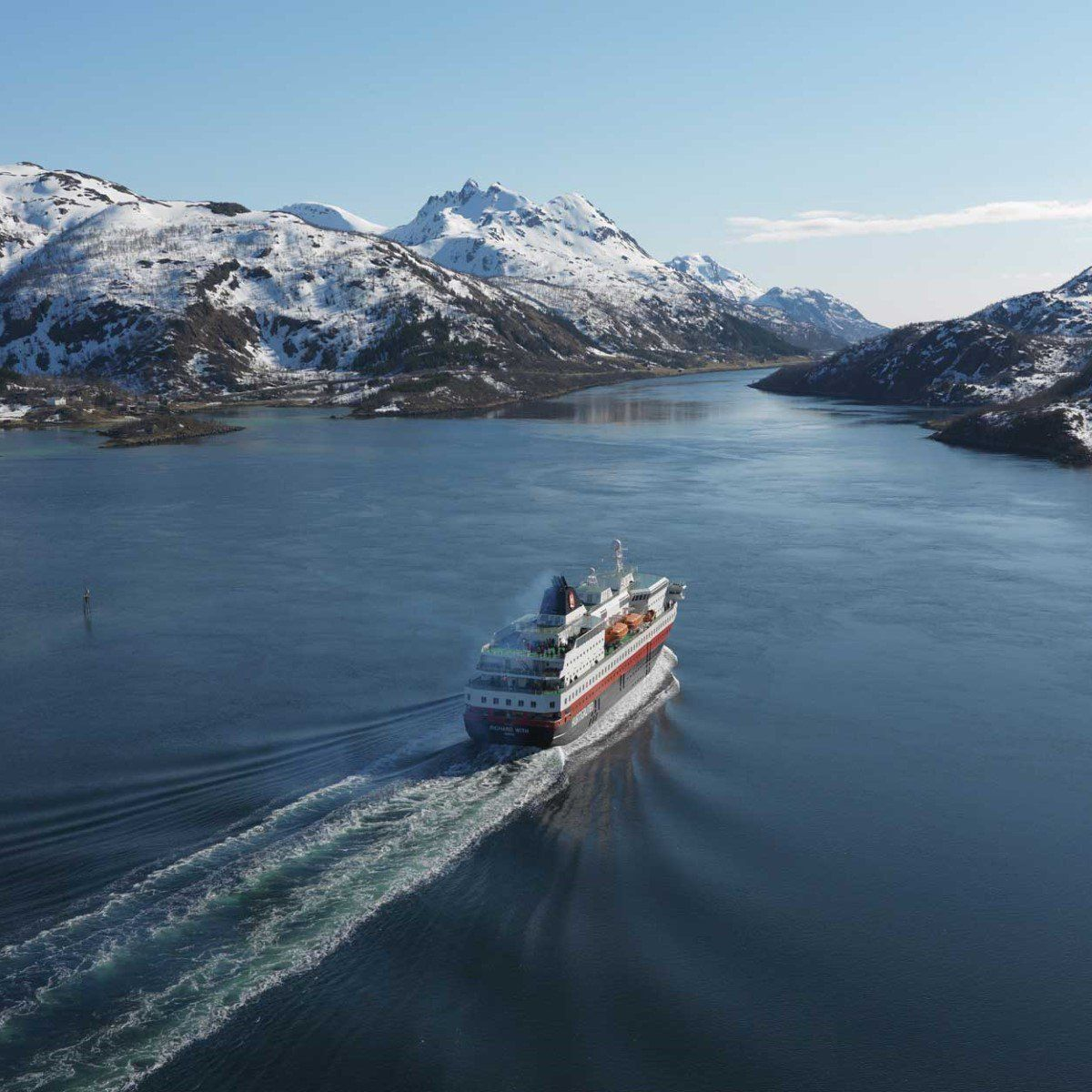 Spring Cruise Along The Norwegian Coast Hurtigruten Cruise